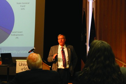 Staben expresses his ideas for the future of UI at State of the University Address